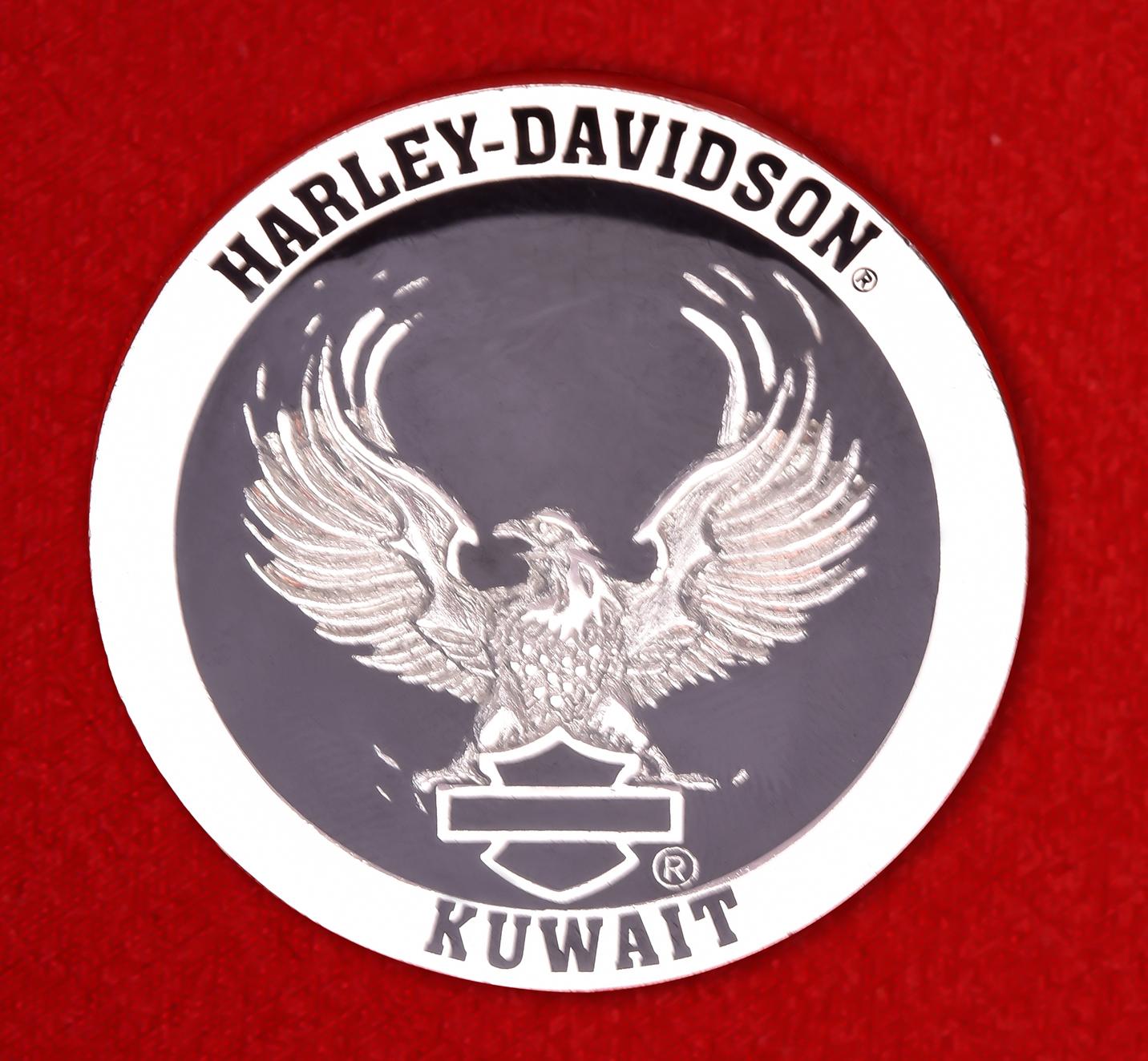 """Байкерский знак """"Харлей-Дэвидсон, Кувейт"""""""