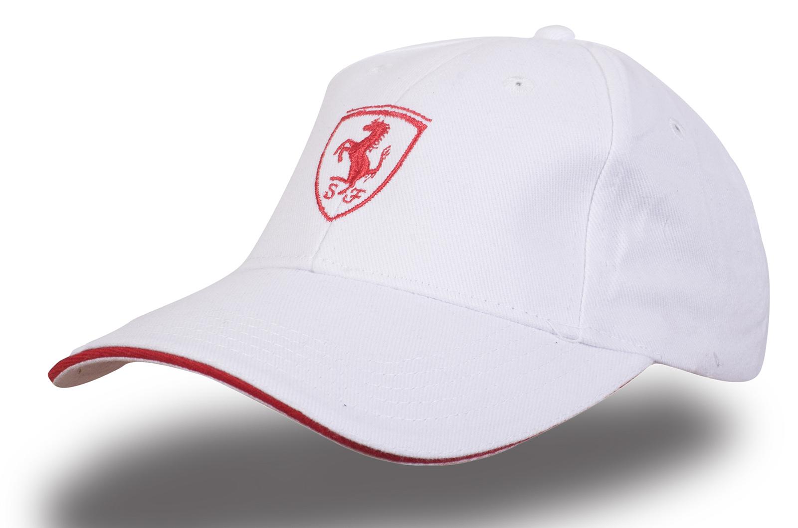 Белая бейсболка Ferrari - купить в интернет-магазине с доставкой