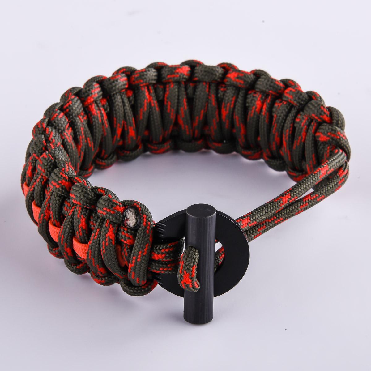 Браслет из верёвки красный камуфляж