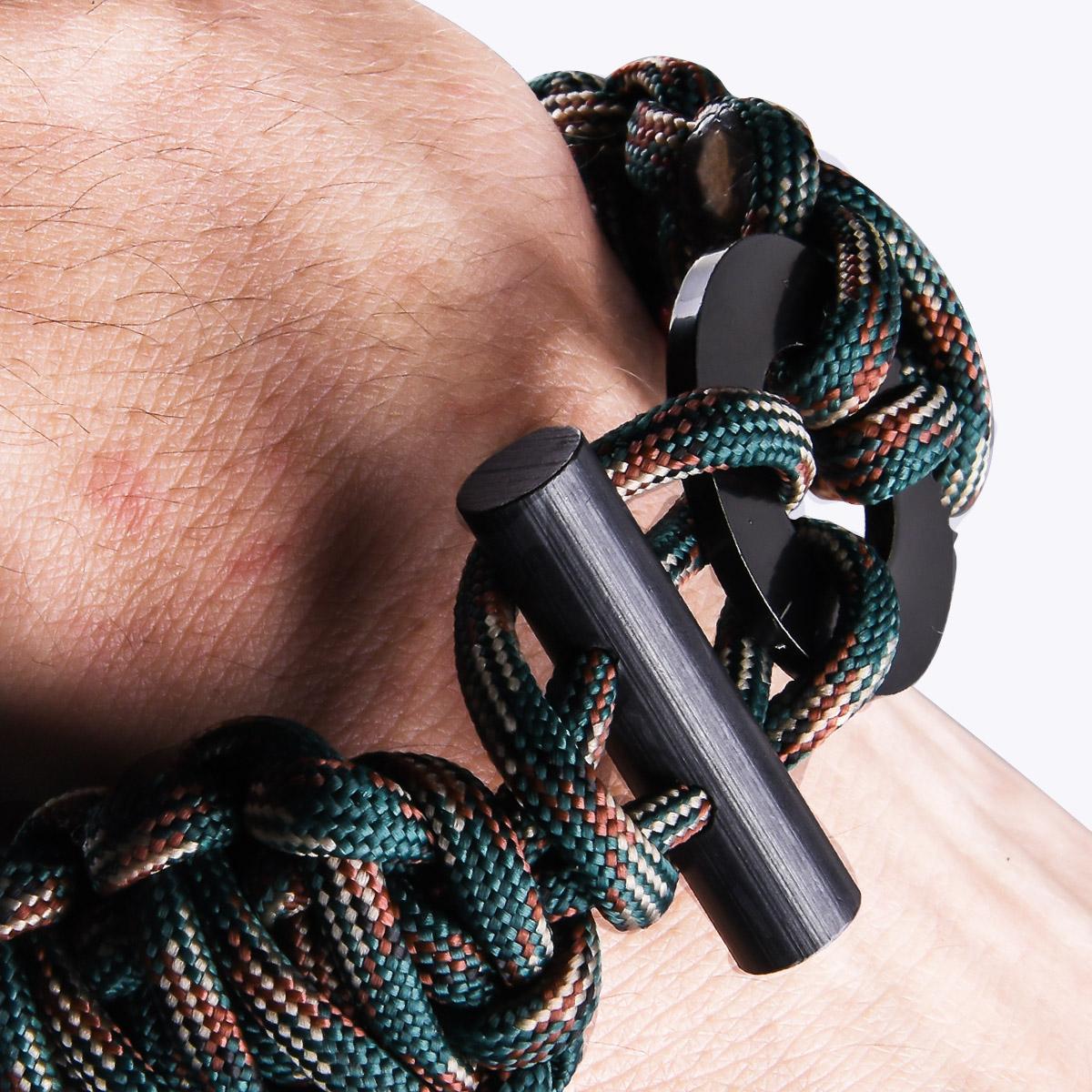 Браслет плетение кобра на запястье