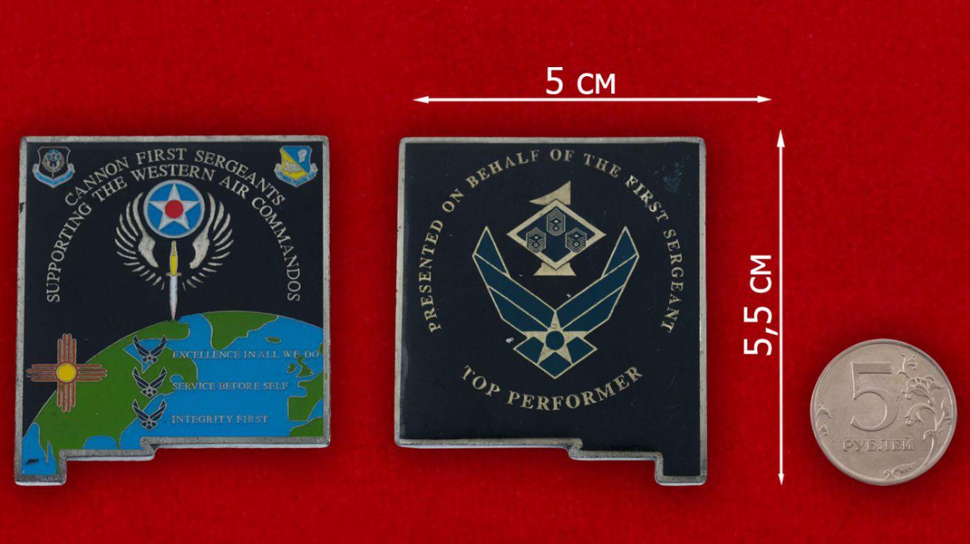 Челлендж коин 27-го авиакрыла Командования специальных операций ВВС США - сравнительный размер