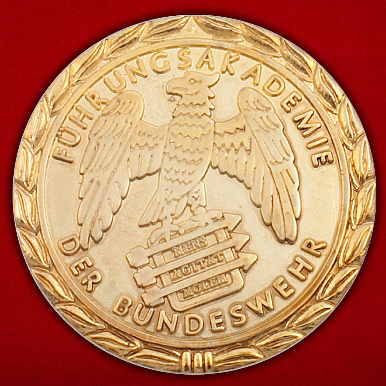Челлендж коин факультета Управления ВВС Центра подготовки командного состава Бундесвера