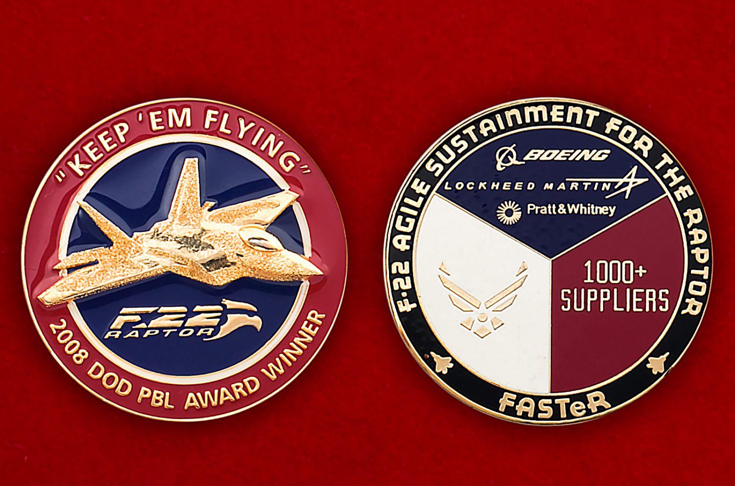 """Челлендж коин """"Многоцелевой истребитель F-22 Раптор"""" - аверс и реверс"""