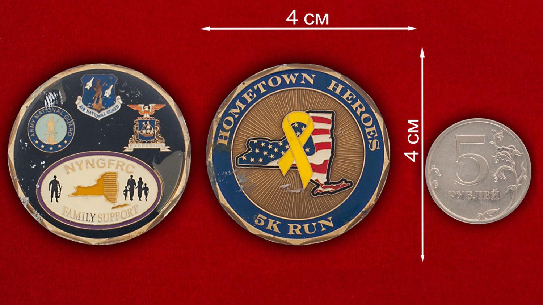 Челлендж коин Национальной гвардии штата Нью-Йорк - сравнительный размер