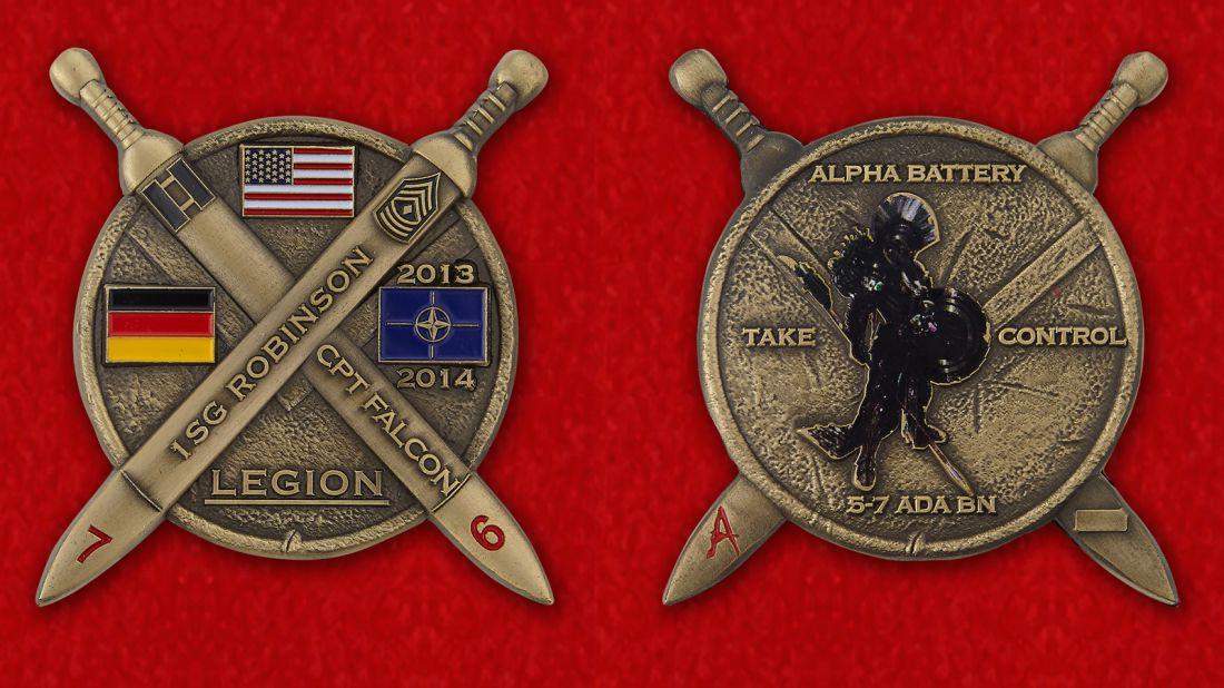"Челлендж коин ""Старший сержант Робинсон, капитан Фалкон. 5-й батальон 7-го артиллерийского полка ПВО"" - аверс и реверс"