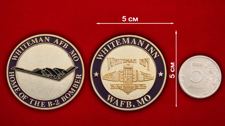 """Челлендж коин """"Стратегический бомбардировщик ВВС США Northrop B-2 Spirit"""" - сравнительный размер"""
