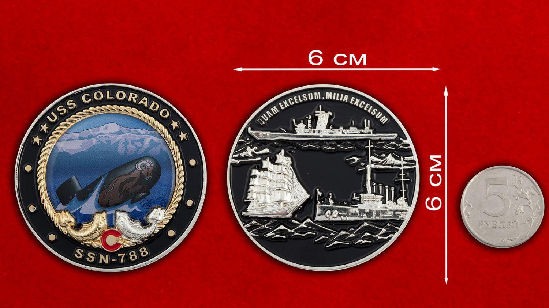 Челлендж коин субмарины USS Colorado (SSN-788) - сравнительный размер