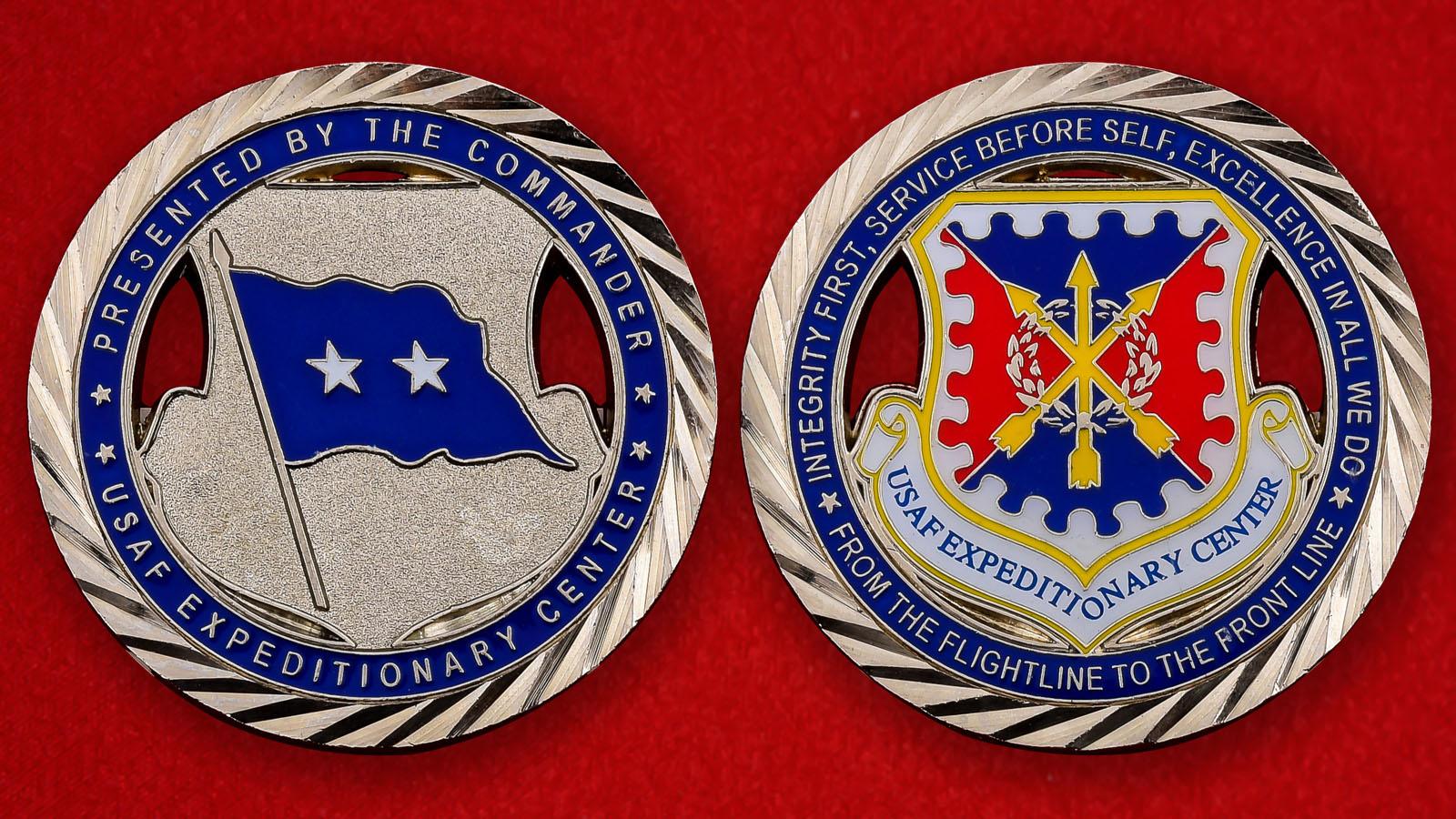 """Челлендж коин ВВС США """"От командира Экспедиционного центра"""""""