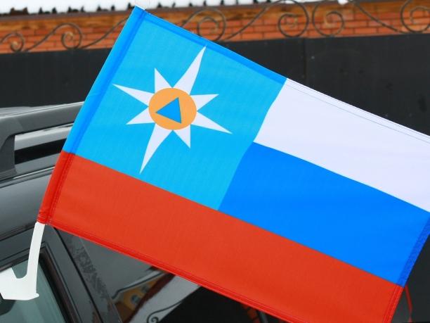 Флаг на машину с кронштейном «МЧС.Триколор»