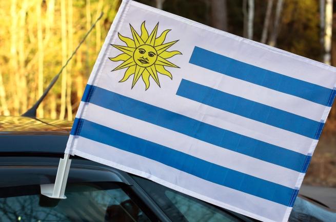 Флаг Уругвая на машину с кронштейном