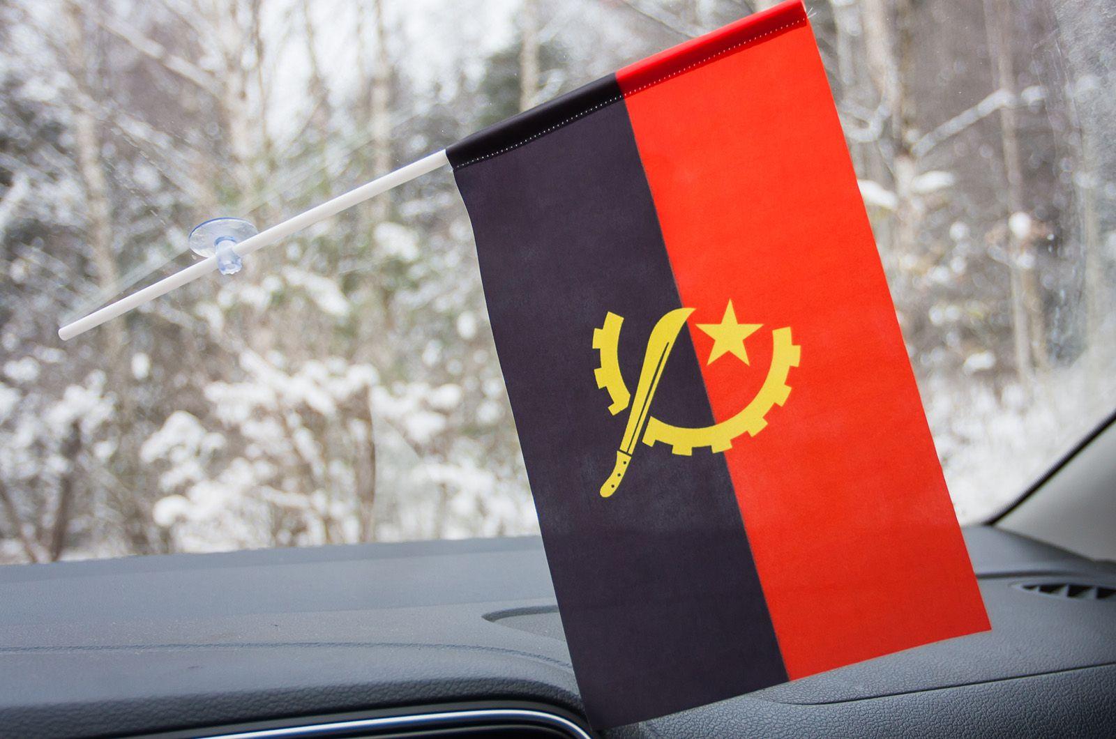Флажок Анголы в машину