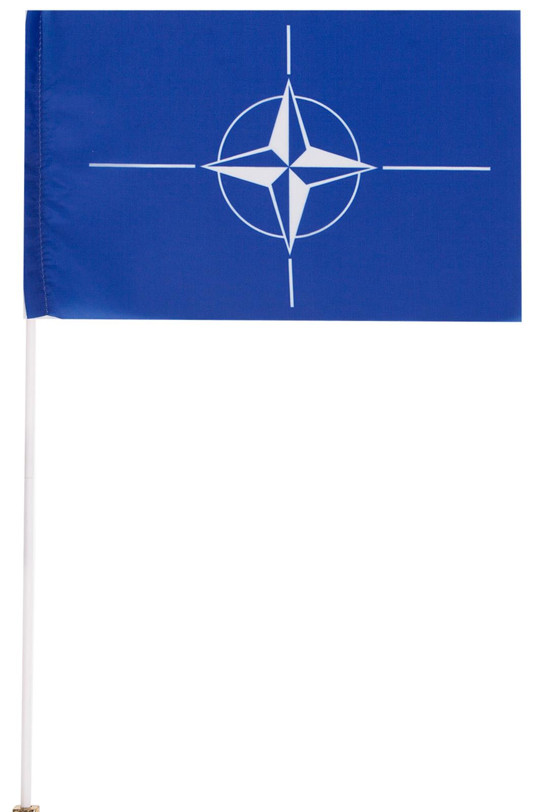 Флажок НАТО на палочке