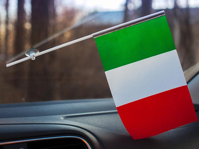 Флажок в машину с присоской «Флаг Италии» по акции