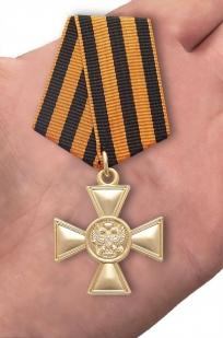 Георгиевский крест для иноверцев I степени - вид на ладони