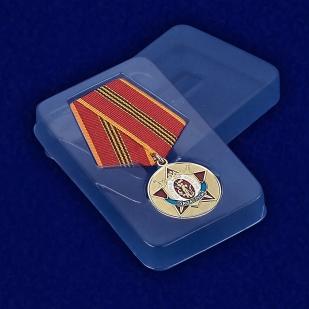 Медаль Ветеран МВД РФ «За заслуги» - вид в футляре