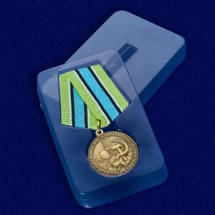 Медаль За освоение недр и развитие нефтегазового комплекса Западной Сибири - в футляре