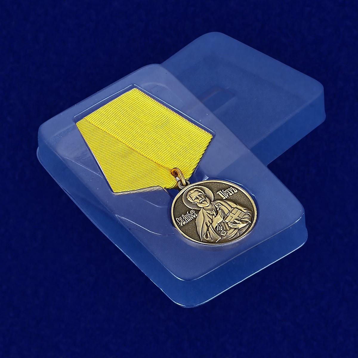 Футляр к медали «За труды во славу Святой церкви»