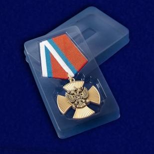 Футляр к медали За заслуги (крест с накладным орлом РФ)