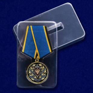 """Медаль """"За заслуги в обеспечении информационной безопасности"""" в футляре"""