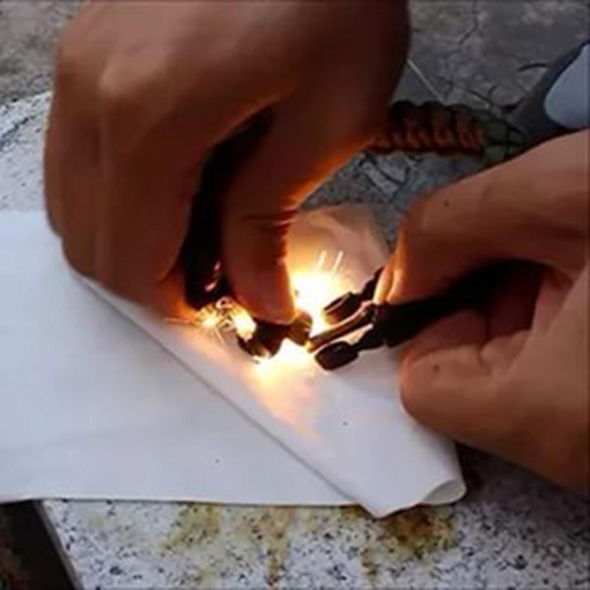 Мужской браслет из шнурков для выживания
