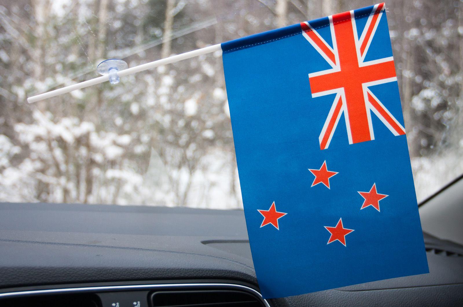 Новозеландский флажок в машину