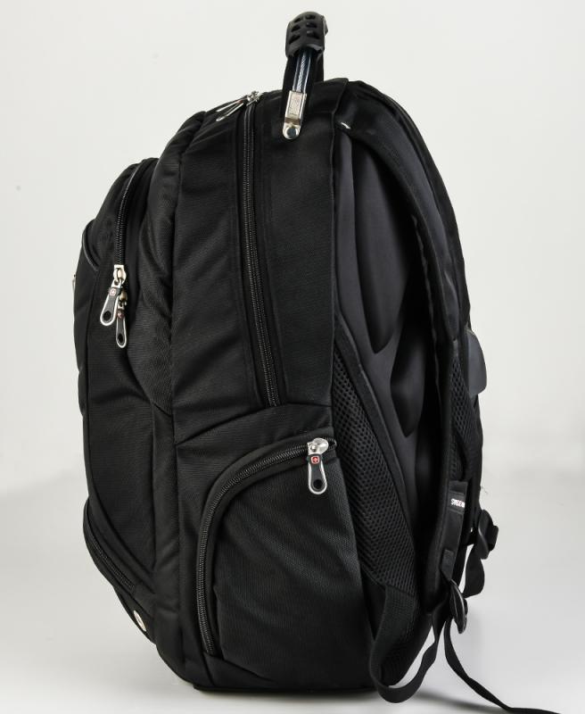 Вместительный и удобный рюкзак Swissgear для городского использования