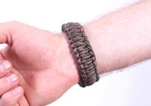 Мужской браслет из паракорда
