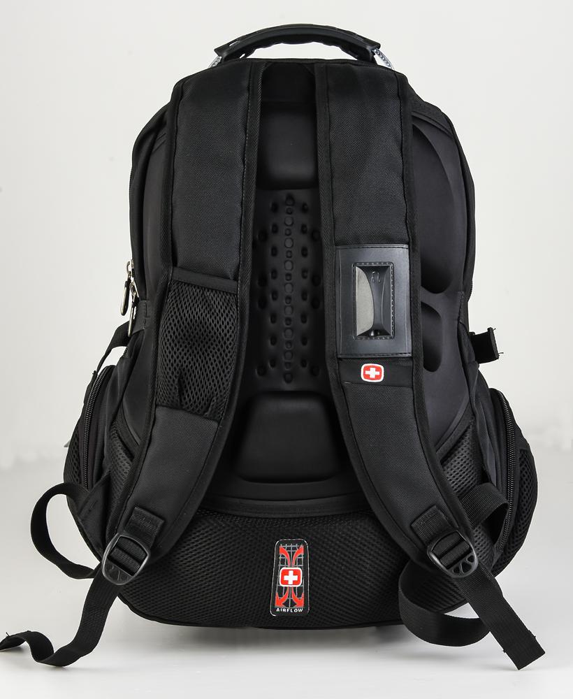Рюкзак – необычный новогодний подарок для активных людей