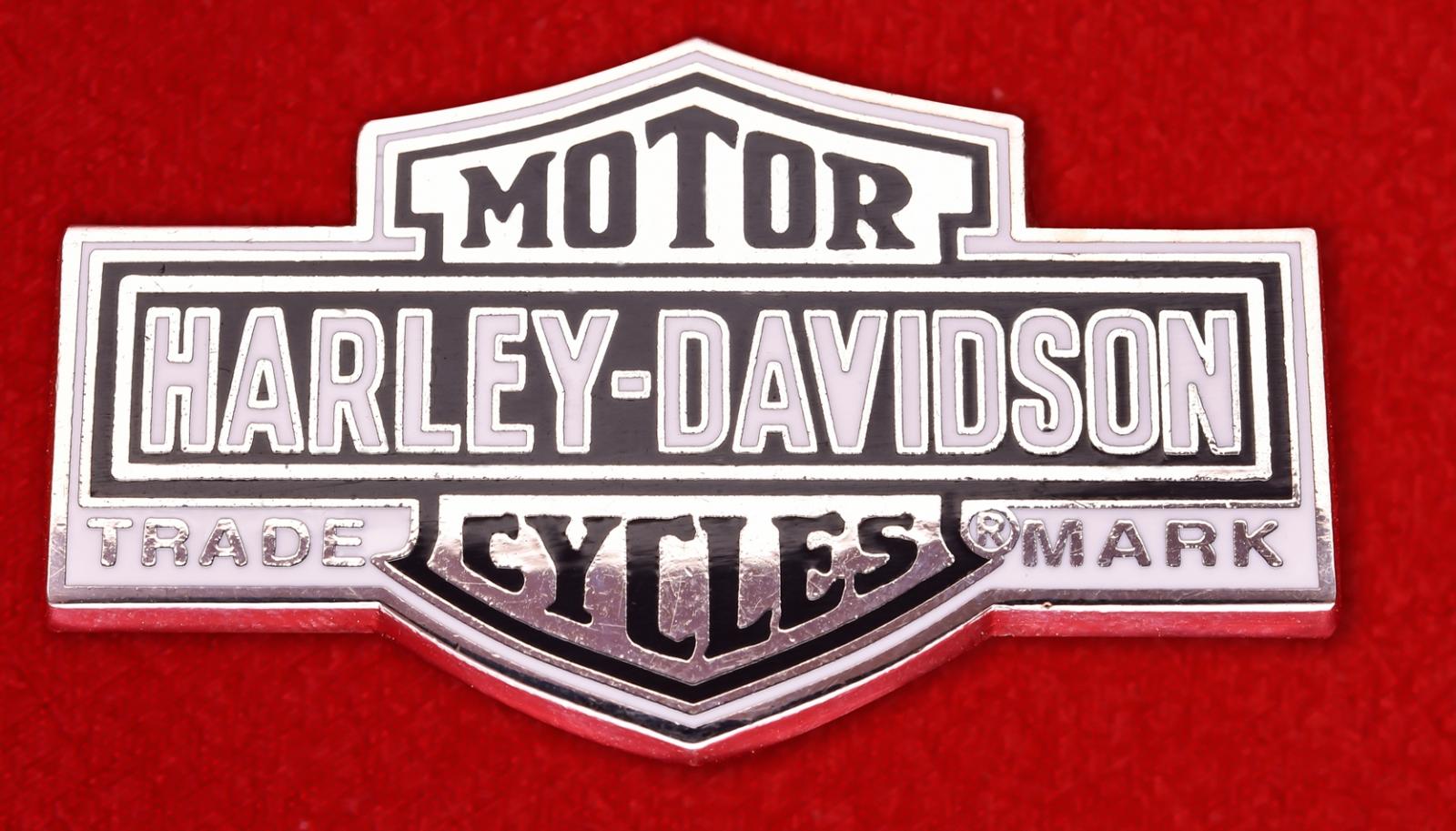 """Значок американских байкеров """"Харлей-Дэвидсон"""""""