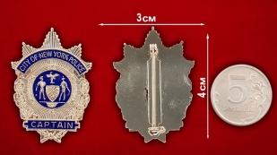 Значок капитана полиции Нью-Йорка - сранительный размер