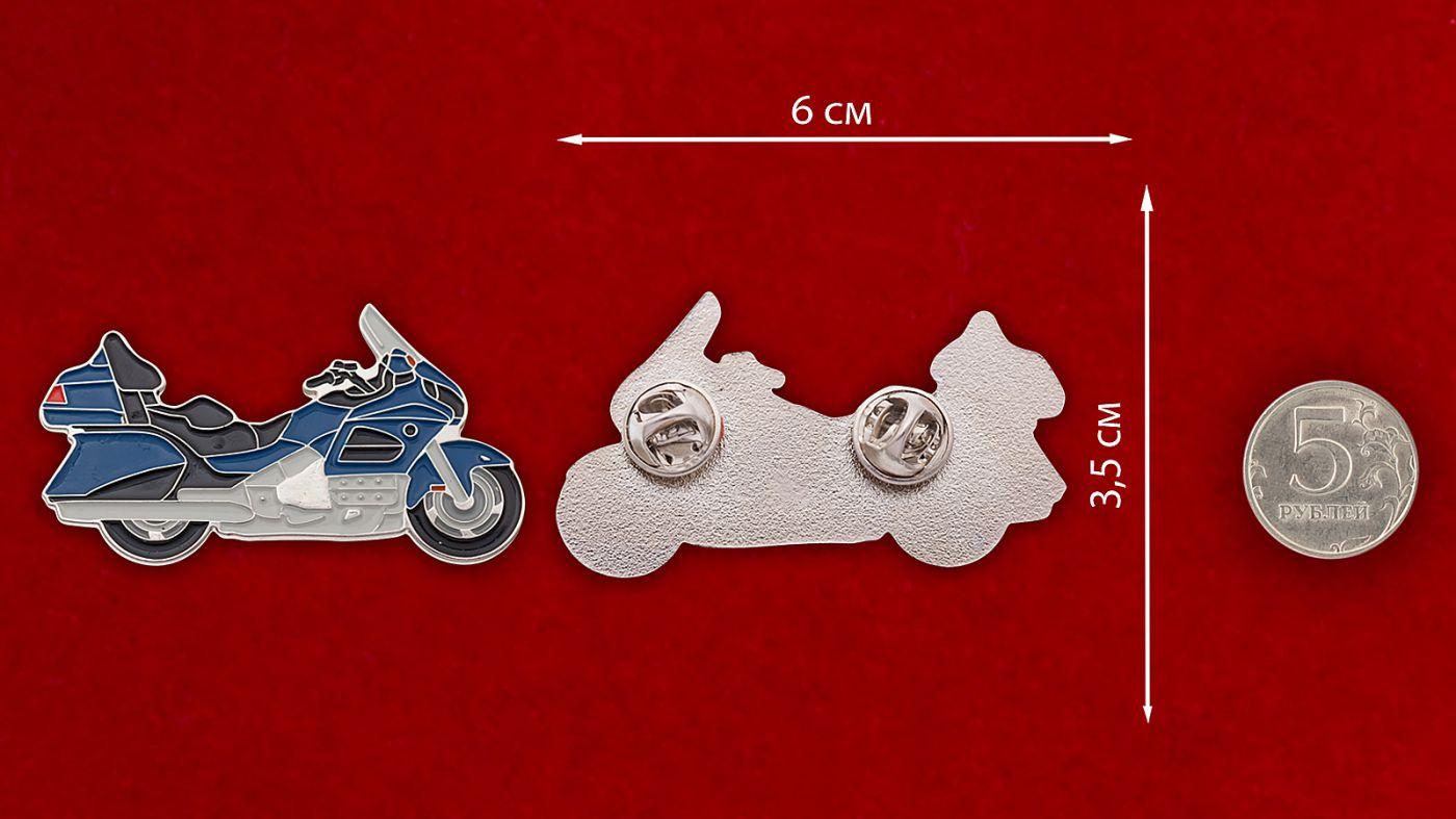 """Значок """"Мотоцикл"""" - сравнительный размер"""