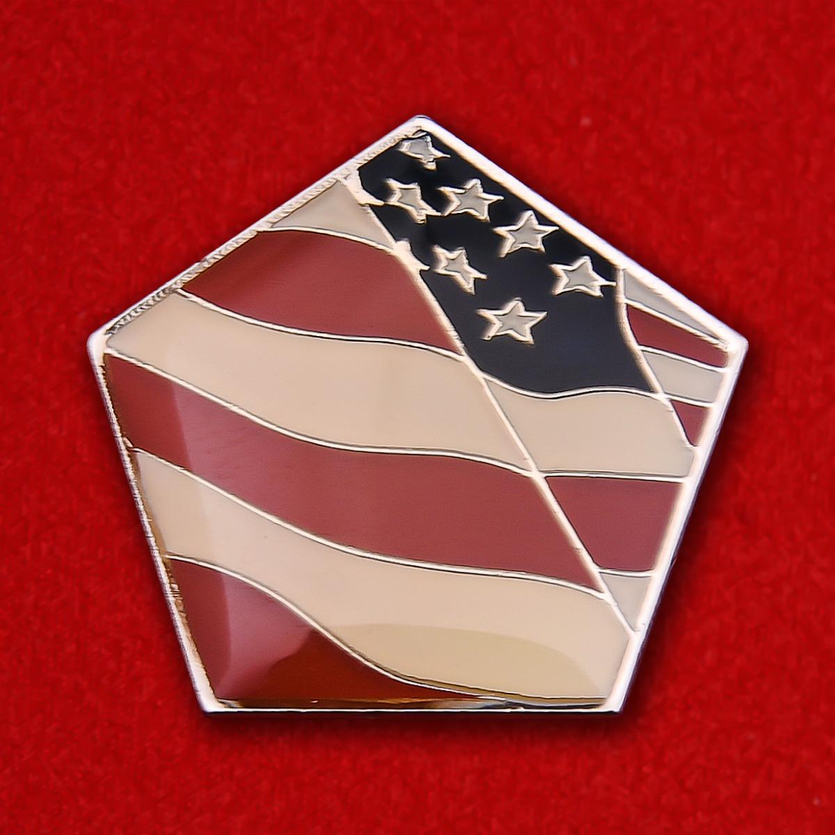 """Значок """"Пентагон"""" с флагом США"""