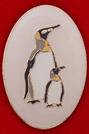 Значок с пингвинами