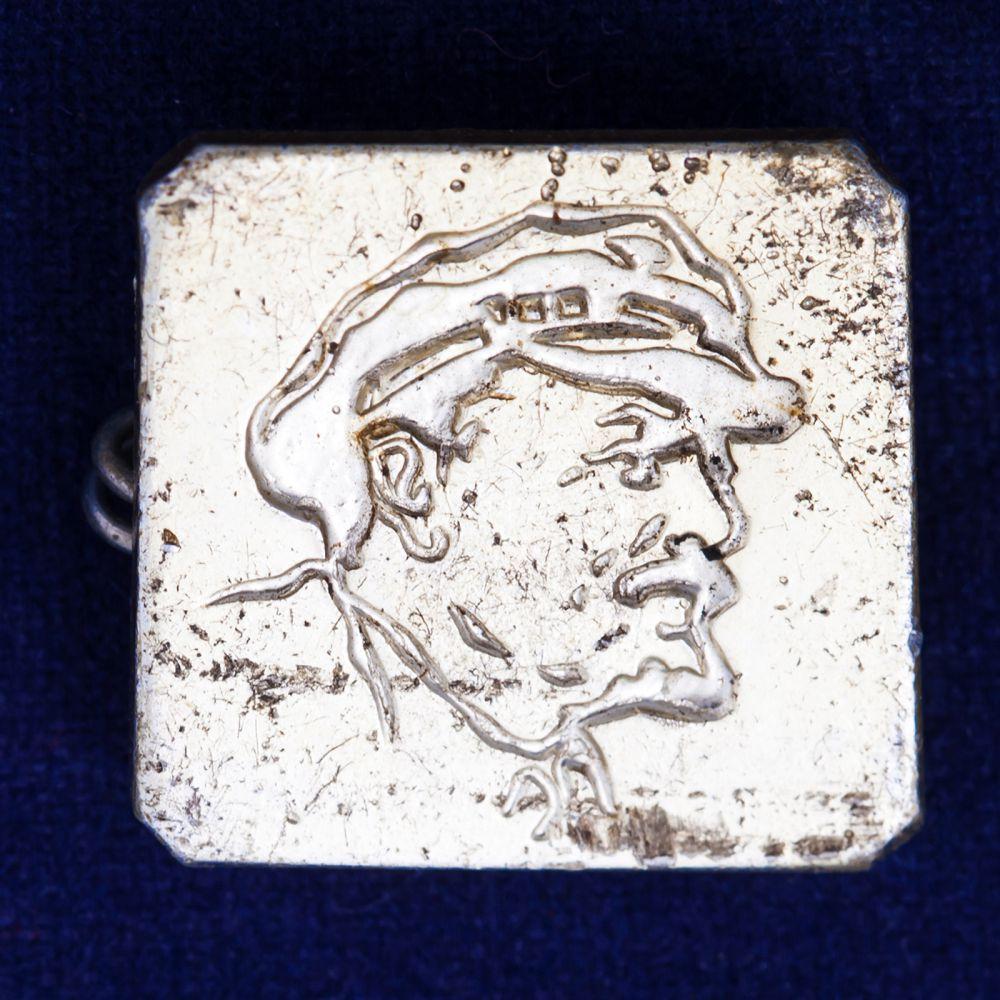 Значок с портретом Ленина