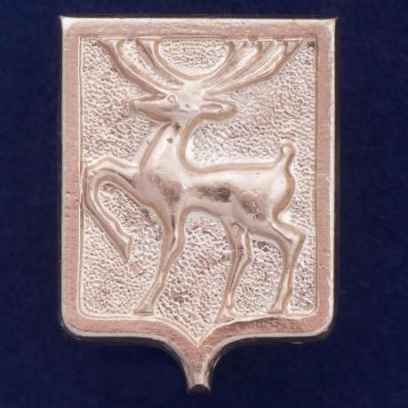 Значок с оленем