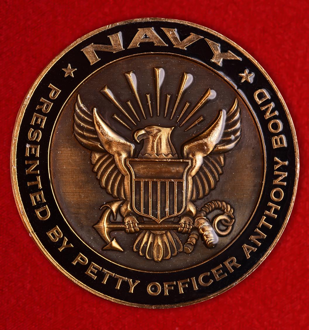 """Знак отличия американского флота """"От старшины Энтони Бонда"""""""