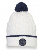 Белая вязанная шапка с помпоном