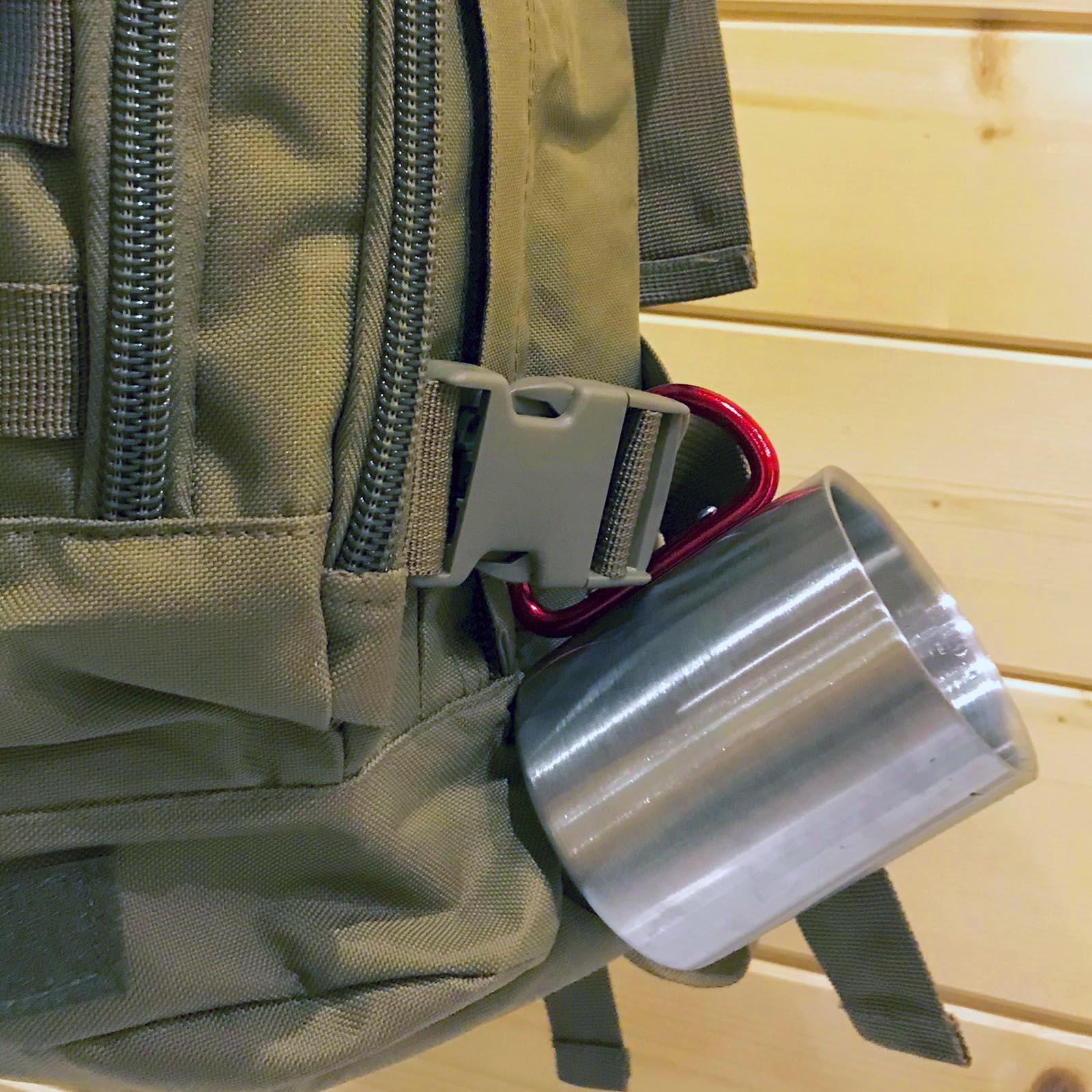 Армейская кружка-карабин для тревожного чемоданчика военных и гражданских.