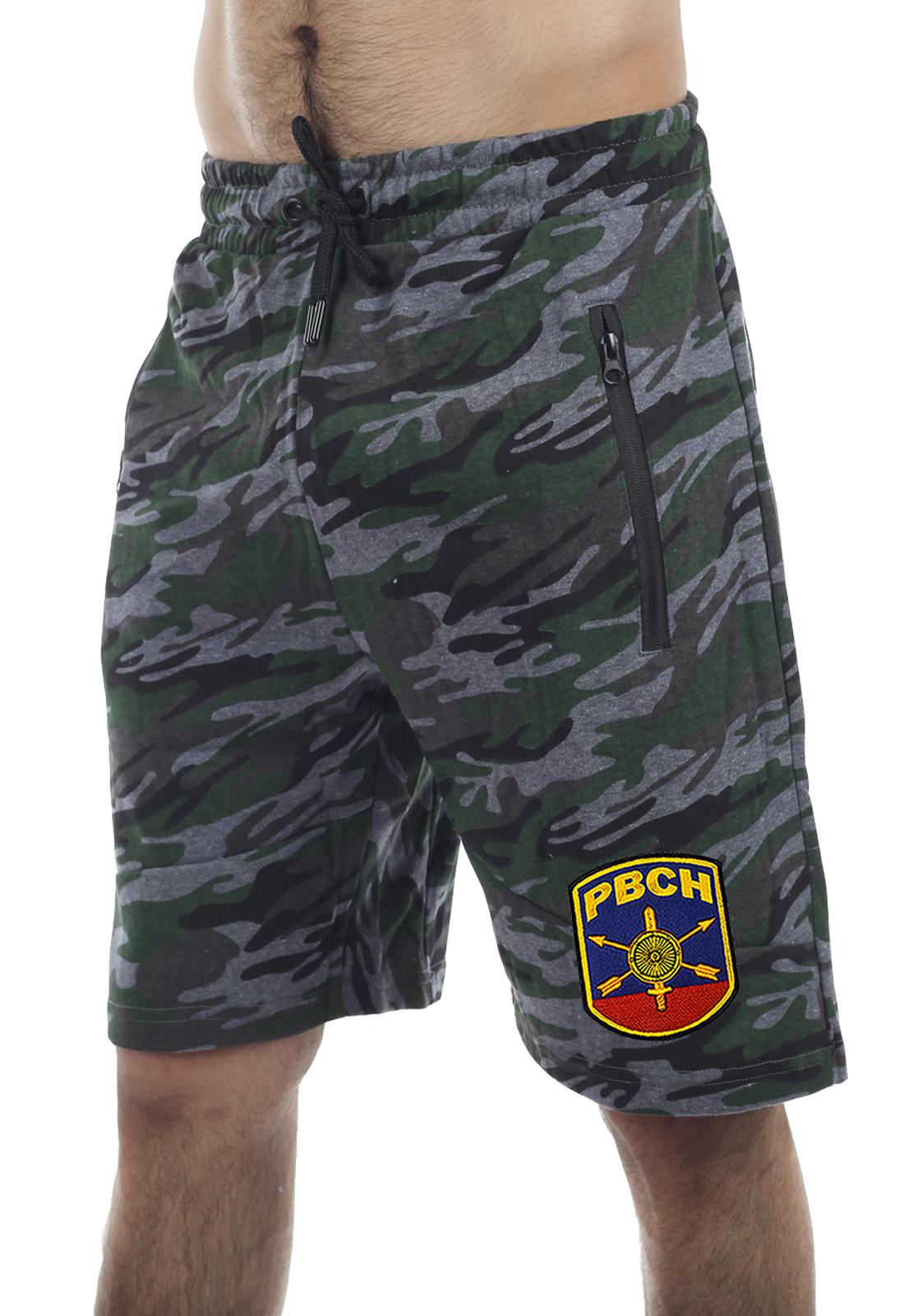 Купить армейские камуфляжные шорты с карманами и нашивкой РВСН в подарок мужчине