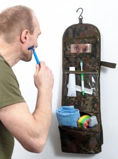 Армейский мужской нессер с кармашками