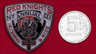 Байкерский значок чаптера клуба Red Knights в Нью-Йорке
