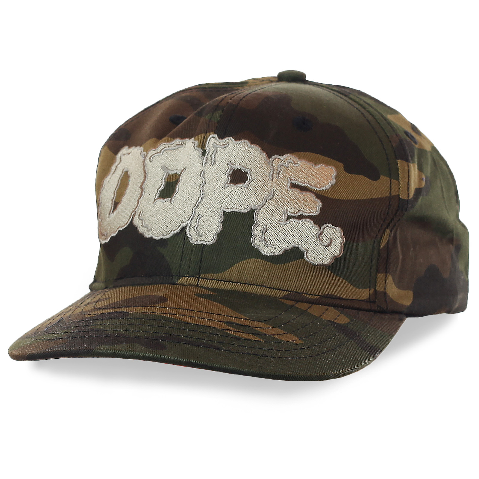 Бейсболка Dope – эталон стиля в камуфляжном дизайне. Широкий козырек, большое лого бренда, водоотталкивающая пропитка