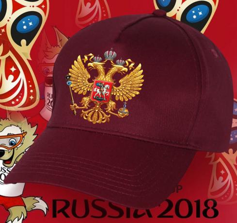 Бейсболка с символикой России – страны-хозяйки Чемпионата мира по футболу.