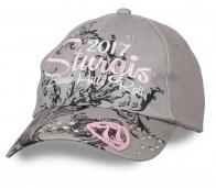 ДЕТКА, ПОКАЖИ ХАРАКТЕР! Женская бейсболка Sturgis Black Hills Rally – байкерская вышивка, стразы, счастливая накладка «77». Не купишь – пожалеешь!