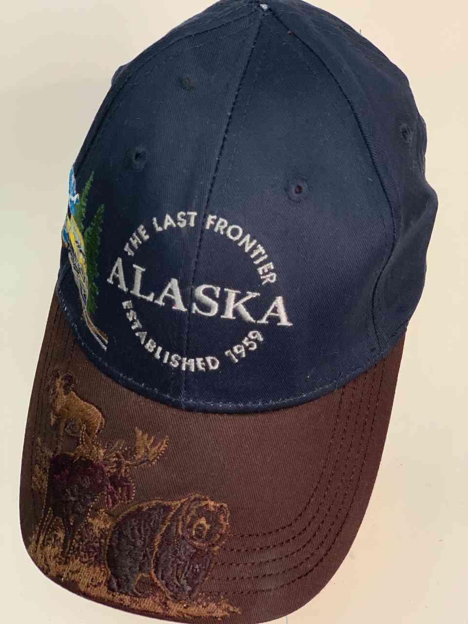 Бейсболка ALASKA с изображением животных на козырьке