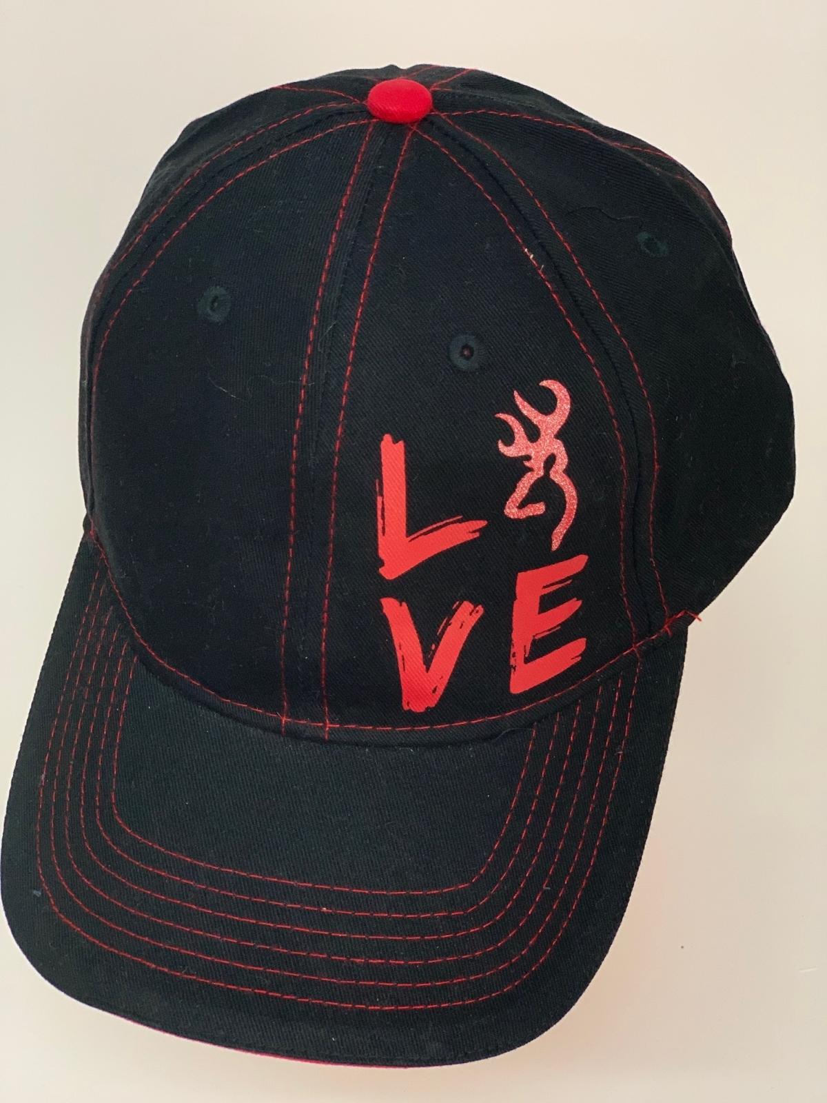 Бейсболка Browning черного цвета с красной нитью