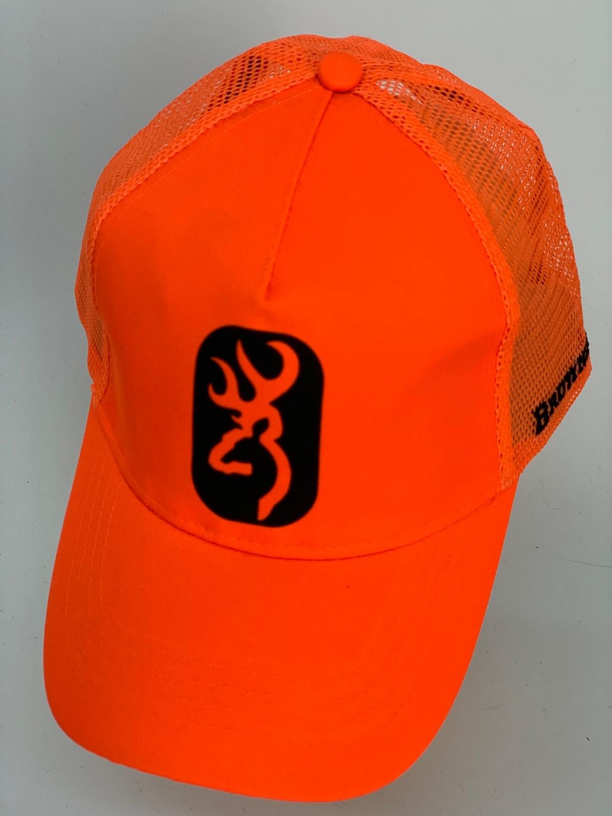 Бейсболка Browning оранжевого цвета с черно-оранжевой нашивкой