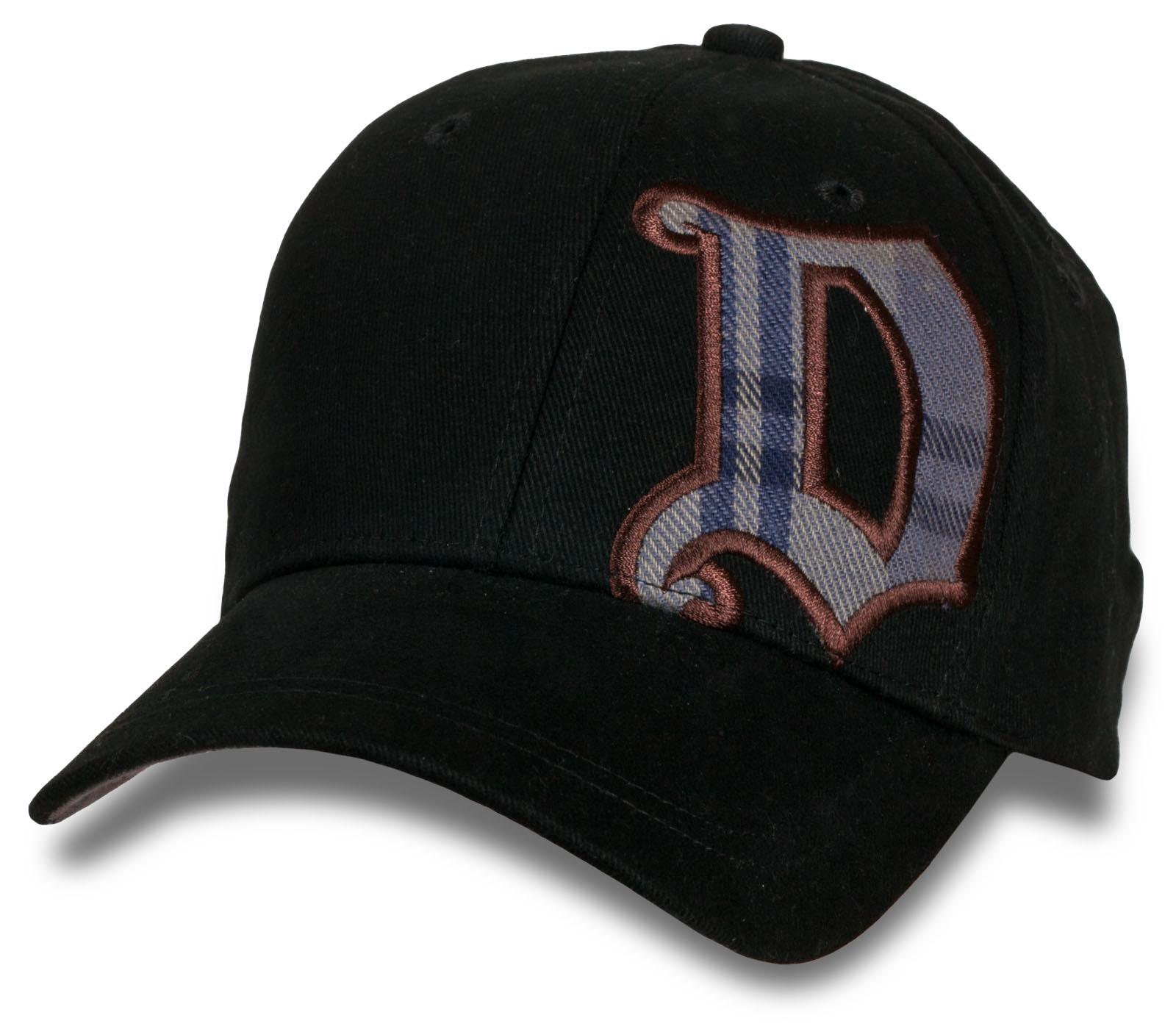 Бейсболка черного цвета от Due.