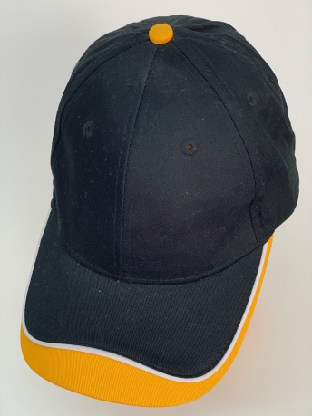 Бейсболка черного цвета с ярко-желтой вставкой на козырьке