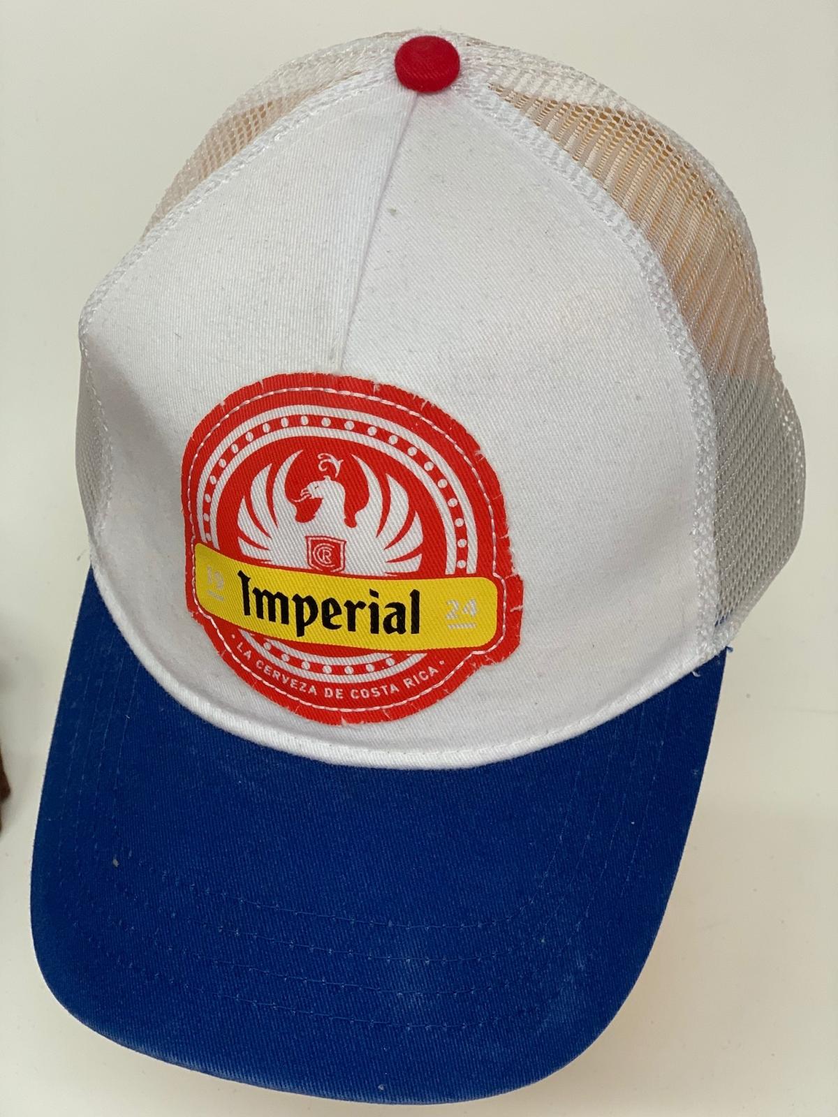 Бейсболка Imperial белого цвета и синим козырьком